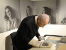 Shimon Peres in Holland: 'I doubt whether Assad read Anne Frank's diary'
