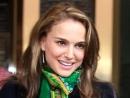 Натали Портман снимет фильм о близнецах-колумнистках