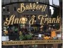 Владельца амстердамской кофейни «Anne & Frank» подвергли критике