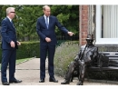 Принц Уильям открыл памятник шпиону, спасавшему евреев в Холокост