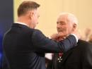 Анджей Дуда наградил поляков, спасавших евреев во время Второй мировой войны