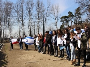Two Peoples, One Ceremony: Israeli, Polish Students Hold Memorial at Auschwitz