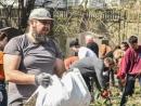 Одесские волонтеры провели субботник на Еврейском кладбище