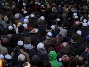 Dangerous to wear a kippah in public, Germany's anti-Semitism czar says