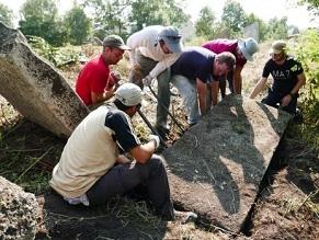 16th-century Jewish tombstones unearthed in Ukraine