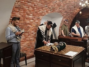 Moldova's dwindling Jewish community reopens synagogue seized by Soviets