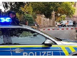В немецком Галле неизвестные открыли стрельбу рядом с еврейским кладбищем и синагогой, есть жертвы