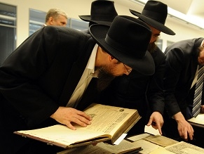Russian prosecutors want arrest warrant against American Chabad rabbi