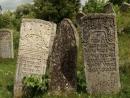 Евреев в Буске давно нет. Живых евреев. И все, что остается, – это память о тех, кто лежит под могильными плитами некрополя