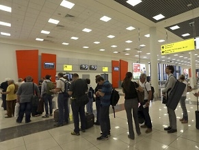 Israelis detained at Moscow airport, denied entry to Russia for 2nd time in days