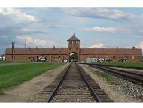Евреи, ромы и христиане Германии впервые почтят жертв геноцида ромов в Аушице