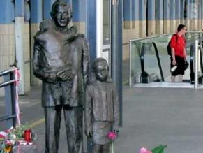 На вокзале Праги после реставрации открыт памятник спасителю еврейских детей Николасу Уинтону