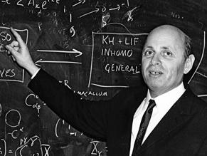Умер последний из создателей атомной бомбы СССР академик Исаак Халатников