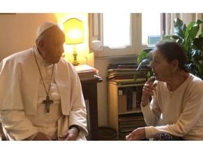 Папа Римский посетил пережившую Холокост писательницу Эдит Брук