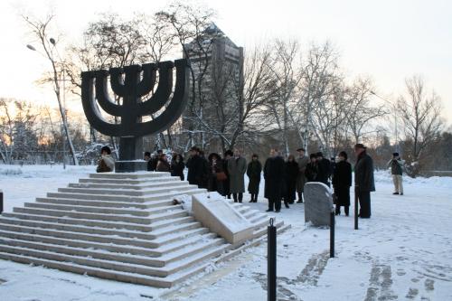 Делегация ADL возле мемориала в Бабьем Яру.