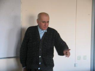 Профессор Каха Кацитадзе во время лекции